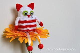 Crochet cat for Christmas