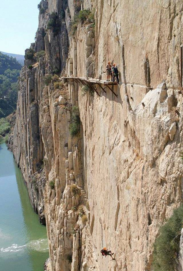 ElCaminoDelRey 002 - The Most Dangerous Path in the World