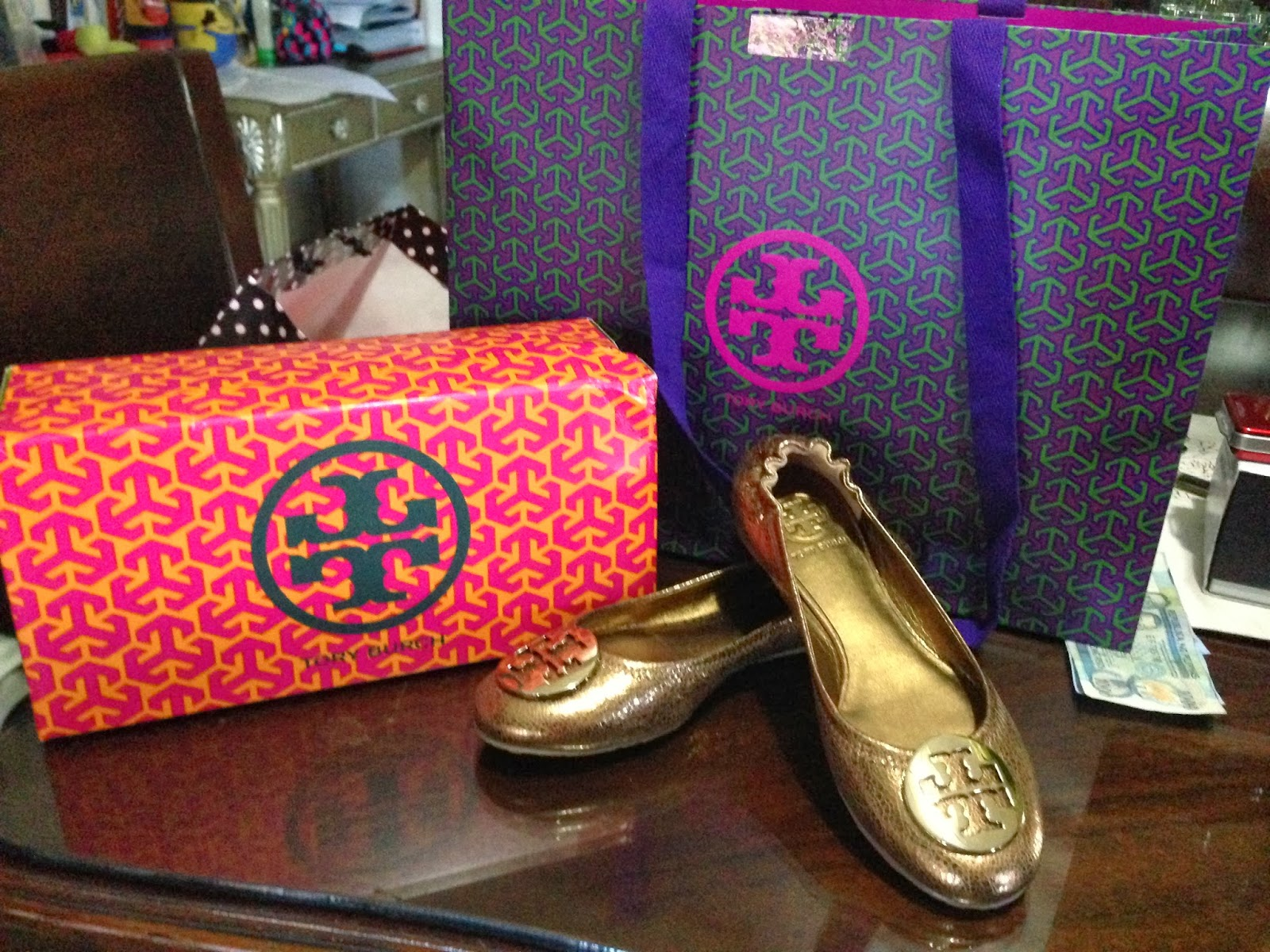 Mom's shopping find: Tory Burch flats for everyday use (to replace her old  fitflop)