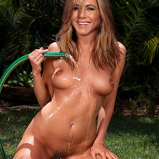 Jennifer Aniston Naked