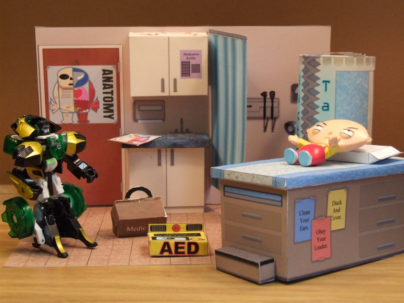 Action+Figure+Doctor+Office.JPG