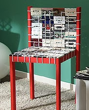 http://www.foxlife.tv/manualidades/8584-silla-ochentera-con-casetes.html