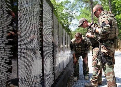 Tembok Memorial Veteran Vietnam,AS