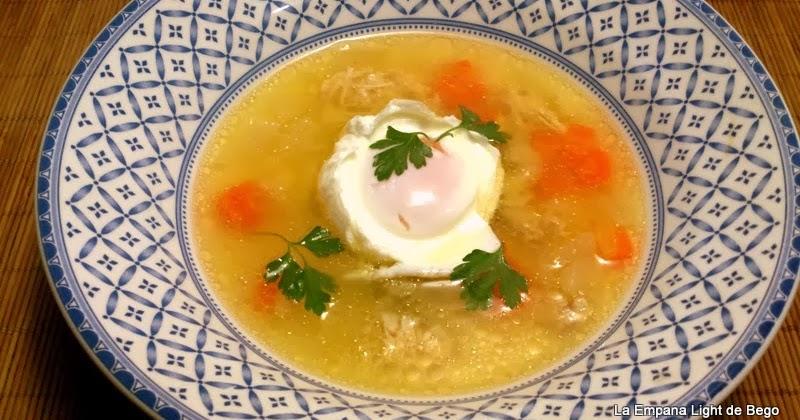 La empana light de bego consom de gallina y pollo con for Cuchara para consome