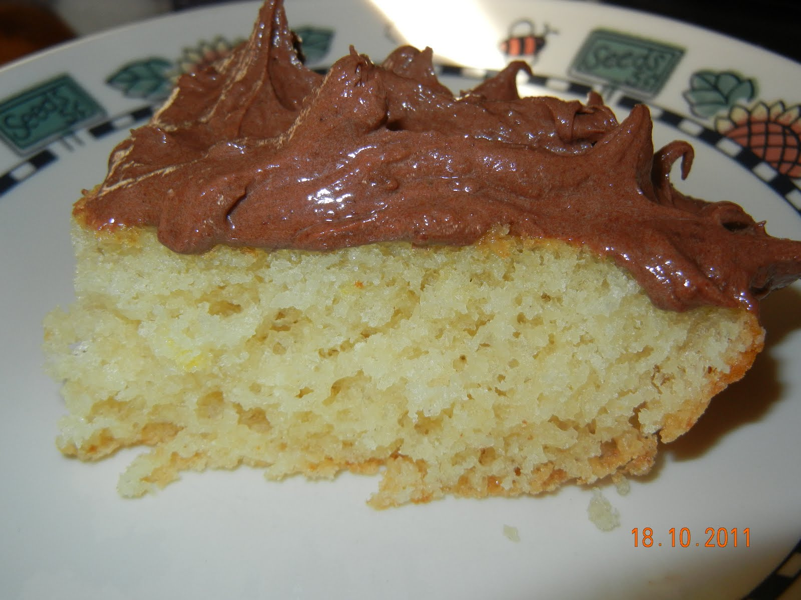 Fabuleux Gâteau blanc Viviane et son glaçage super crémeux au chocolat et  EK39