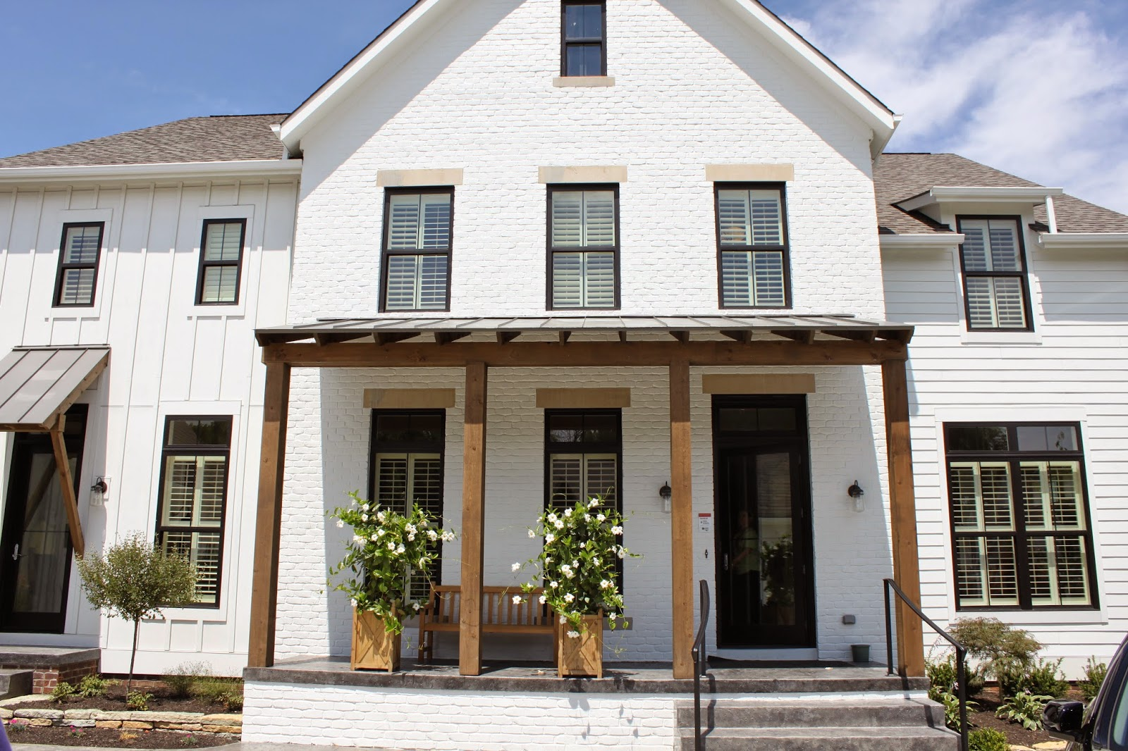 The fat hydrangea parade of homes week 2014 house 3 for Modern farmhouse exterior