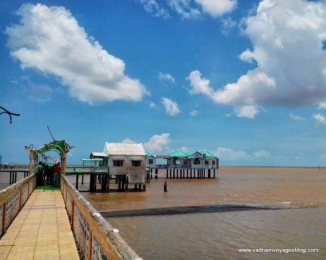 Nha Mat Beach, Bac Lieu - Aug 2013 - Photo Thach Sone