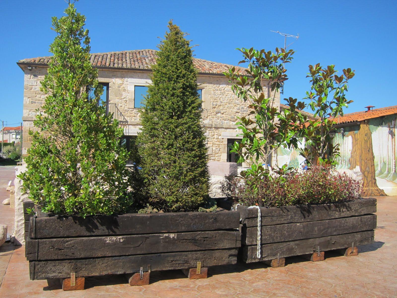 Madera para exterior jardineras con traviesas - Jardineras de exterior ...