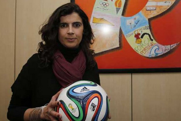 Helena Costa is now set to become the first female coach of a French professional club