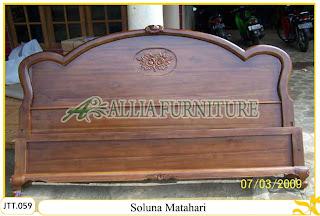 Tempat tidur ukiran kayu jati Soluna Matahari