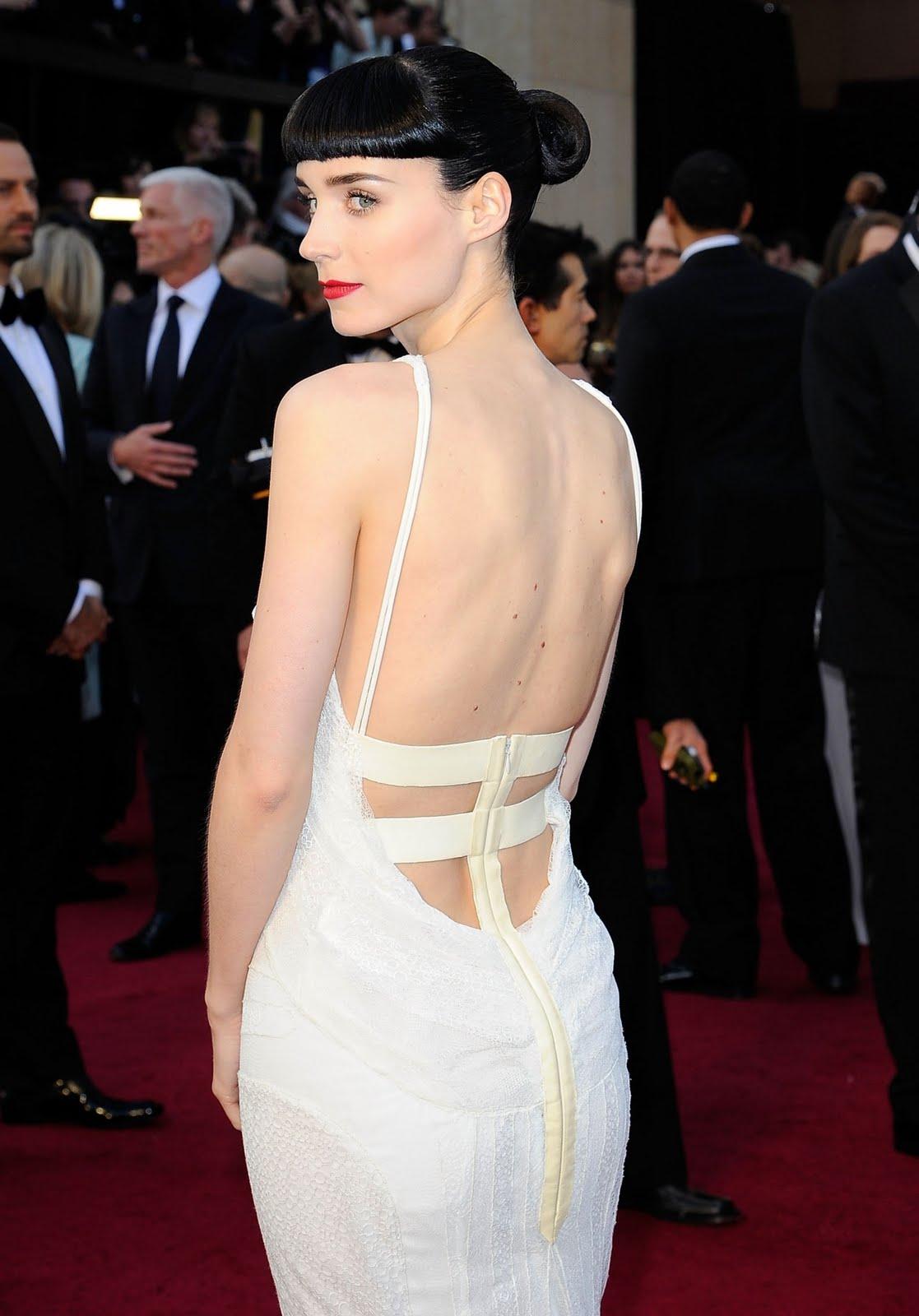 http://2.bp.blogspot.com/-TF19vTGp55w/T0wYSp3yMvI/AAAAAAAAk7A/bDw0sfR_kpQ/s1600/Rooney_Mara-Oscars_2012-5.jpg