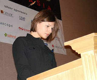 5 Hacker Tercantik dan Tersexy di Dunia