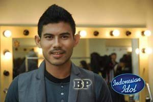 Dion-Indonesian-Idol-2012