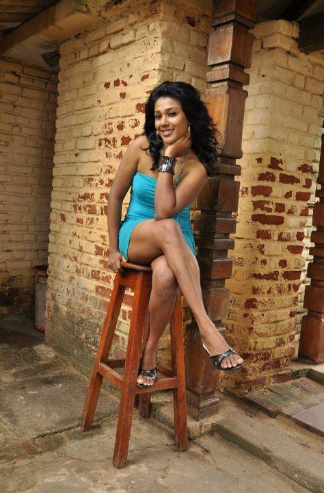 Srilankan Hot Models Rithika Kodithuwakku