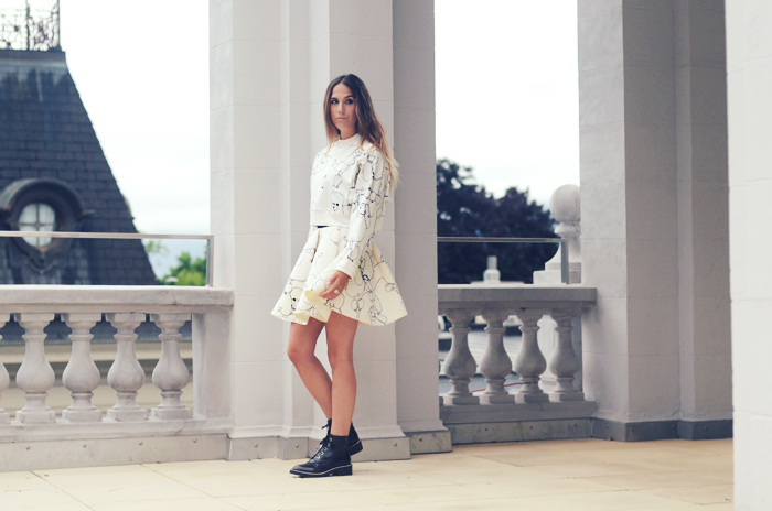 alison liaudat, blog mode suisse, fashion blogger, sandro, H&M, trend, switzerland, total look, all white, neoprene,