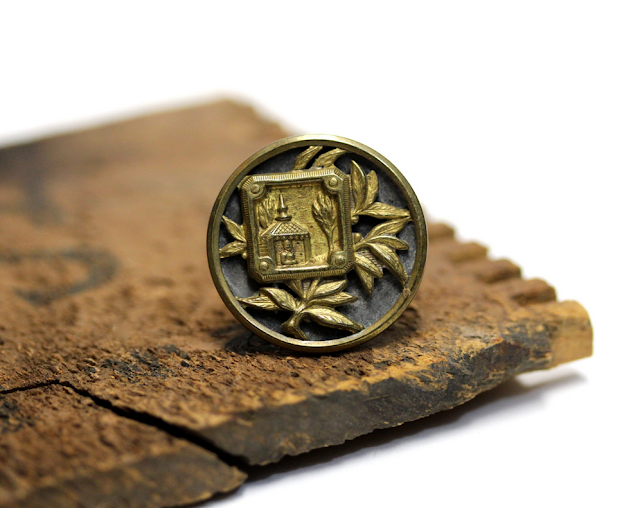 Gorgeous Antique Buddha Ring #jewelry #antique #1800s #Buddha #buddhist #ring