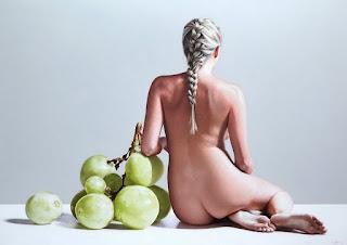 Cuadros Mujeres Desnudas Frutas Gigantes