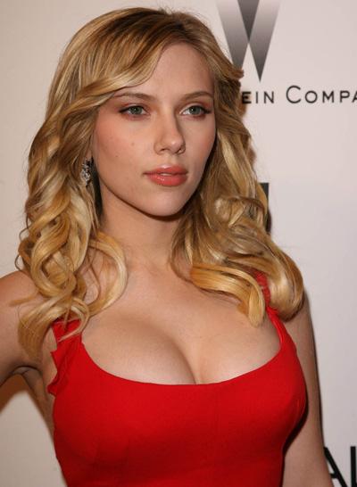 http://2.bp.blogspot.com/-TG1QDYI68Zo/TkYALsSB-EI/AAAAAAAAB4g/74QTbx8MmJw/s640/02_www.photonice.net_ScarlettJohansson.jpg