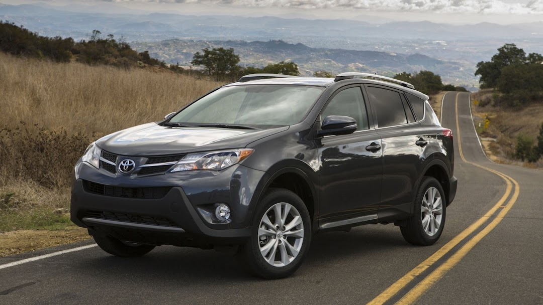 2013 Toyota RAV 4 HD Wallpaper 1