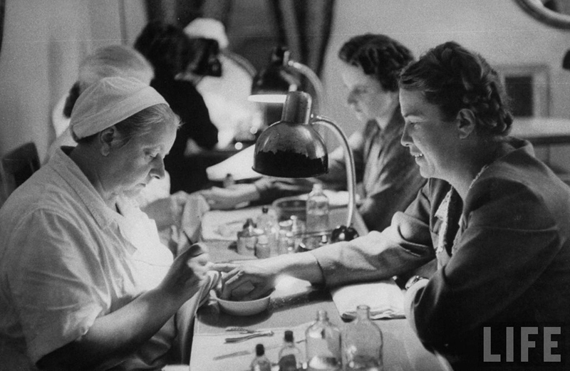 Russian women of the 1950s vintage everyday for 1950 beauty salon