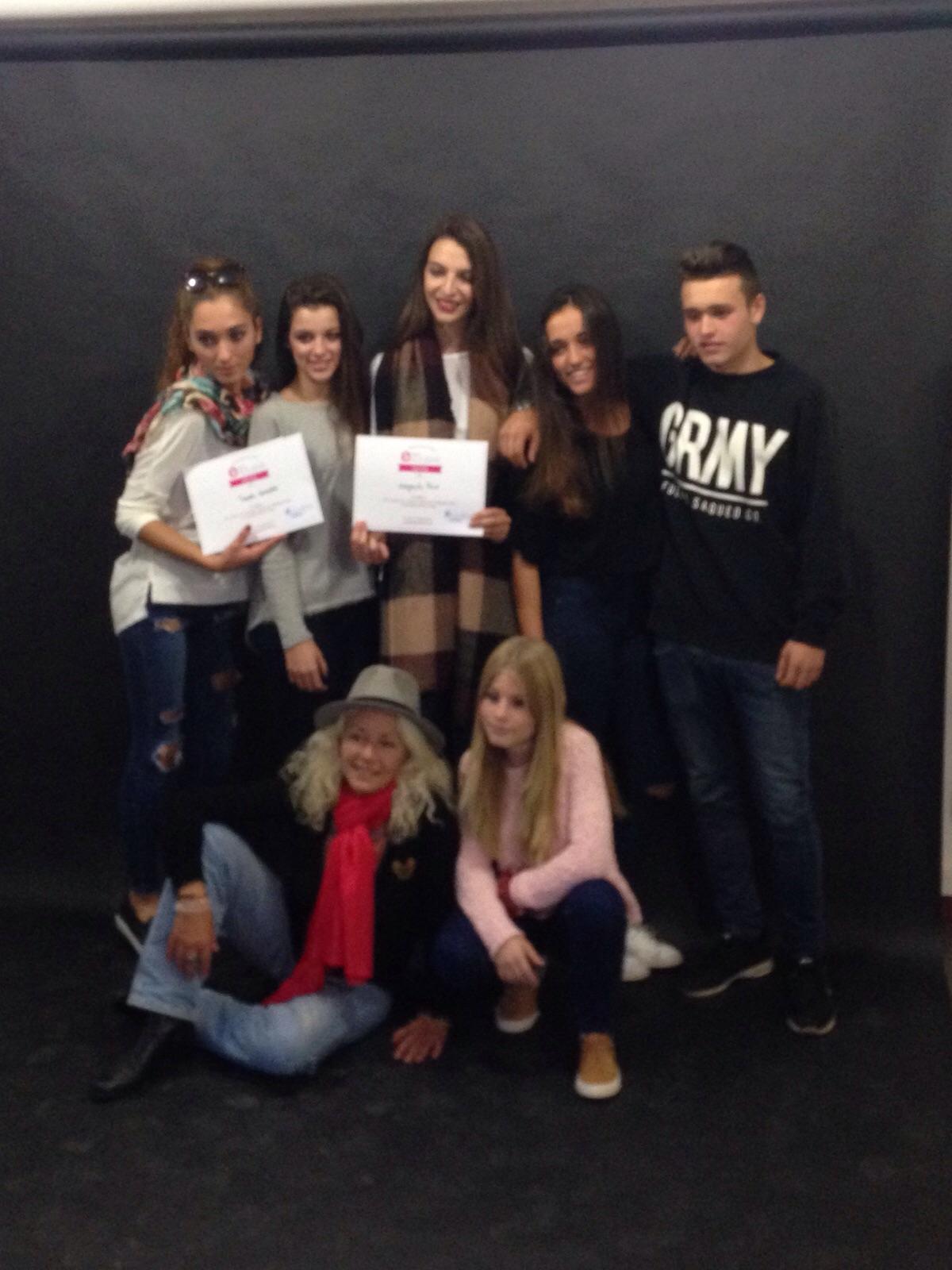 Grupo exclusive realizado primer curso de formaci n en for Escuelas de moda en barcelona