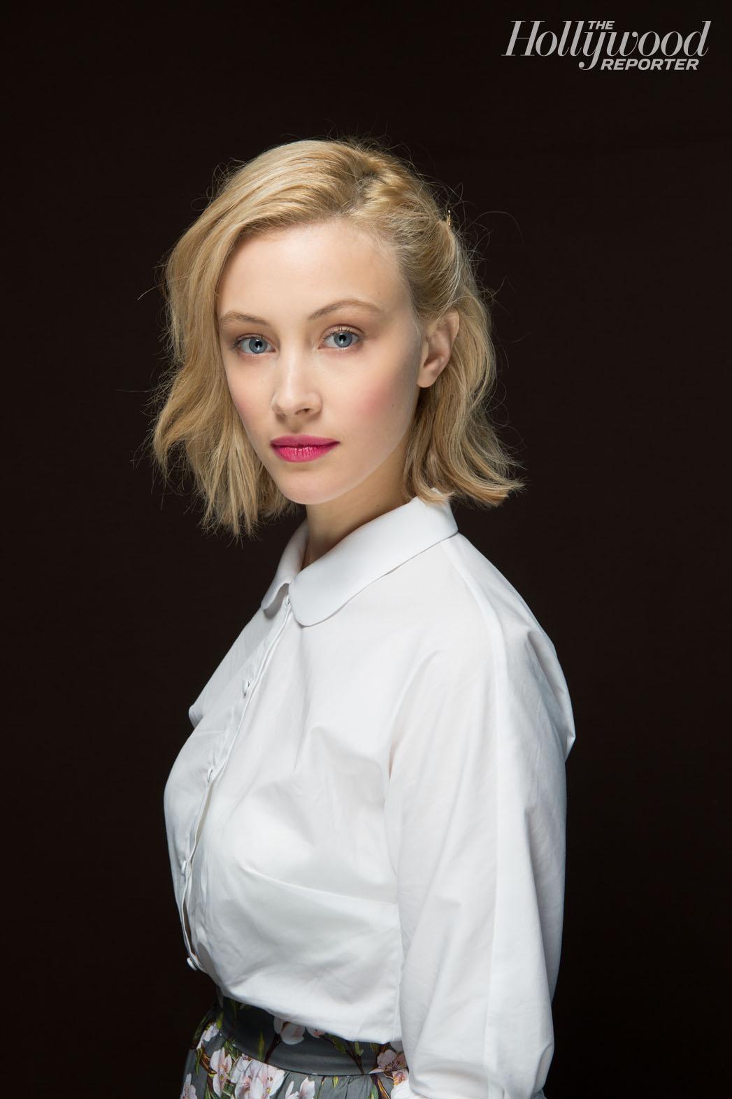 Celebrity Photos Dracula Untold actress Sarah Gadon HD Wallpapers & Photos