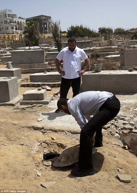 The cemetery in the Jaffa district of Tel Aviv contains six mass graves