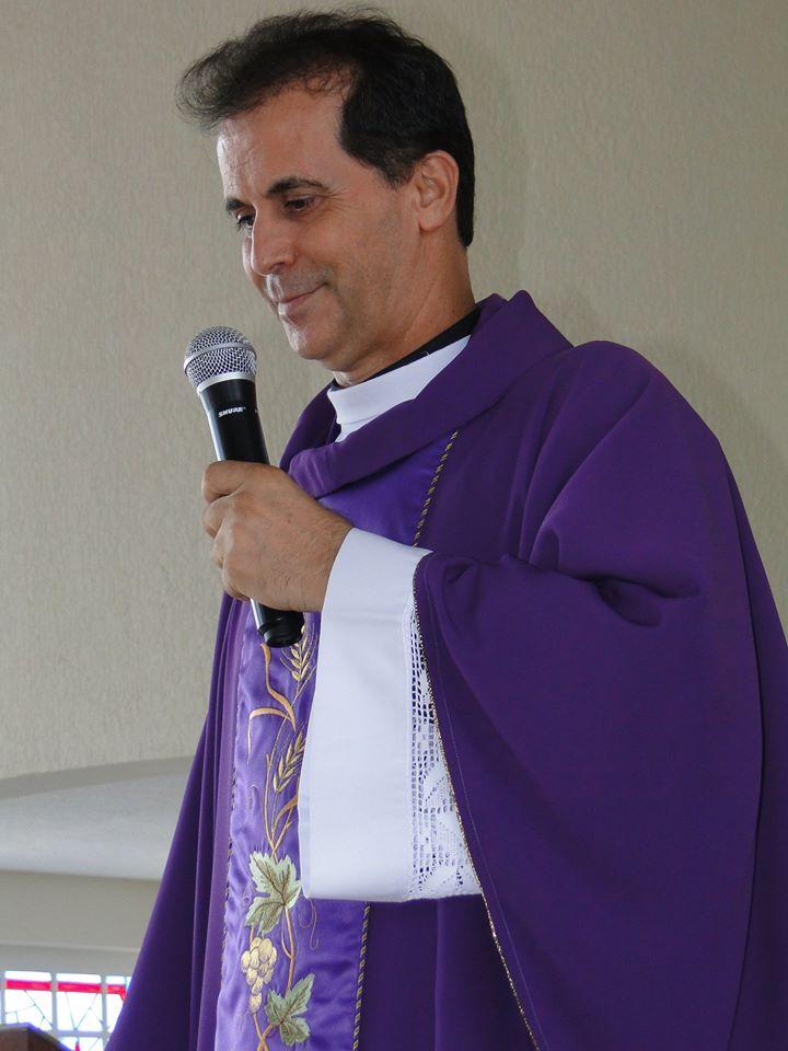 Padre Paulo. Paroquia Sta. Barbara.