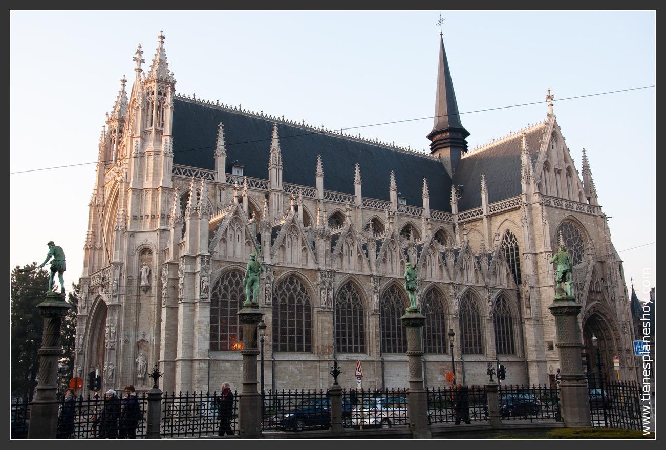 Iglesia Notre Damme du Sablon Bruselas