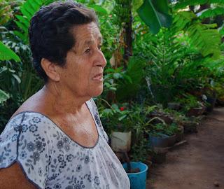 María del Carmen nos explica que lleva 42 años de luto. Urumita, La Guajira