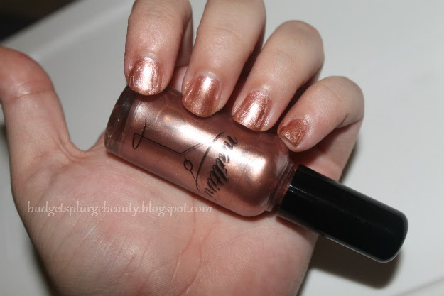 Nailtini nail polish Champagne swatch