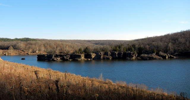 Hiking aroung Lincoln Lake in Lincoln, Arkansas