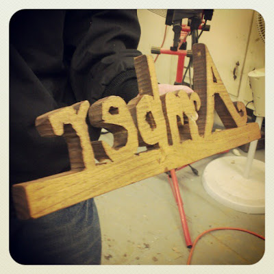 DIY Woodworking Craft Project - Personalized Handmade Custom Name Sign - DIY Valentine's Day Gift Idea