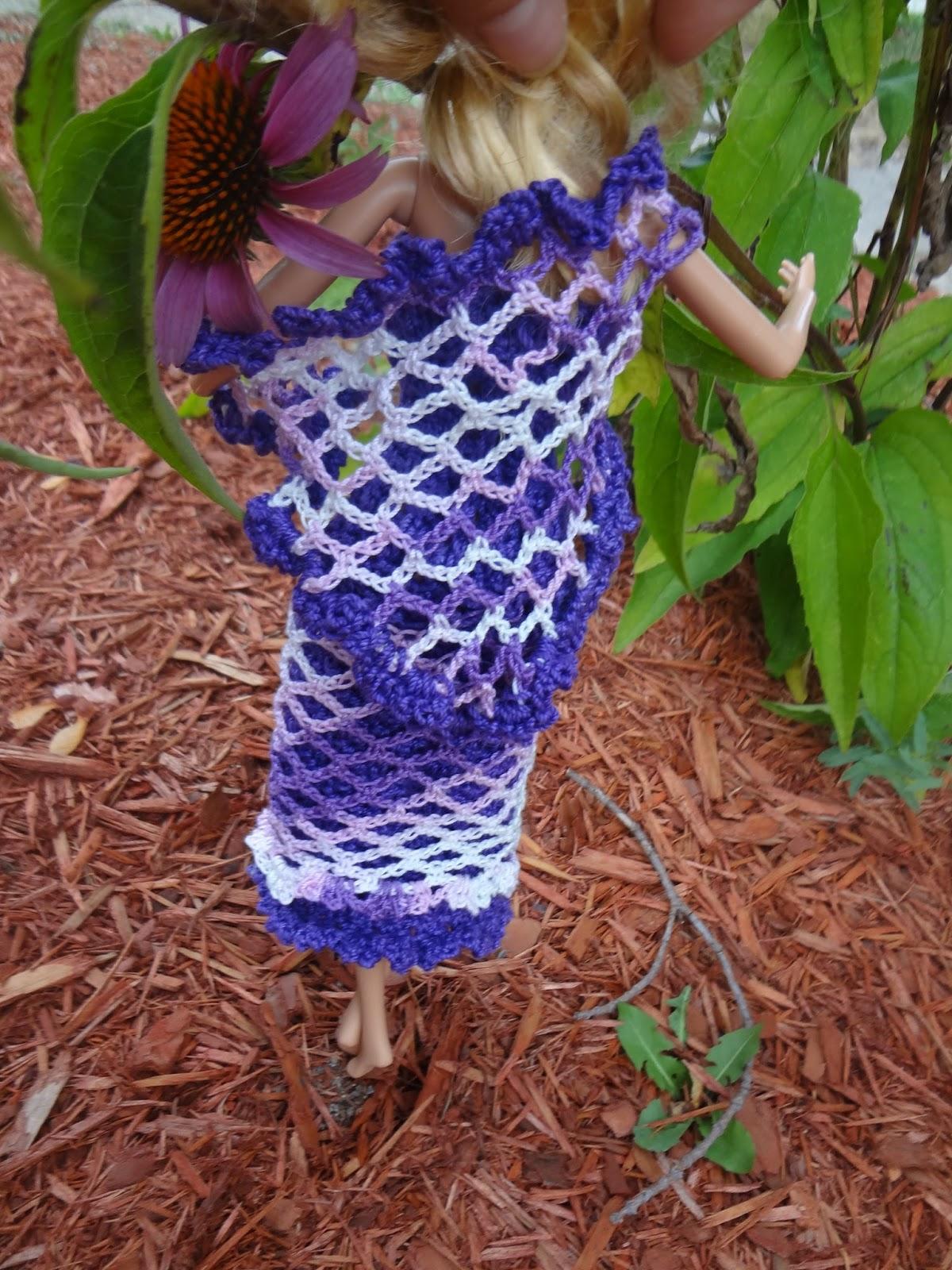 Niftynnifer\'s Crochet & Crafts: Free Barbie Shawl Crochet Pattern