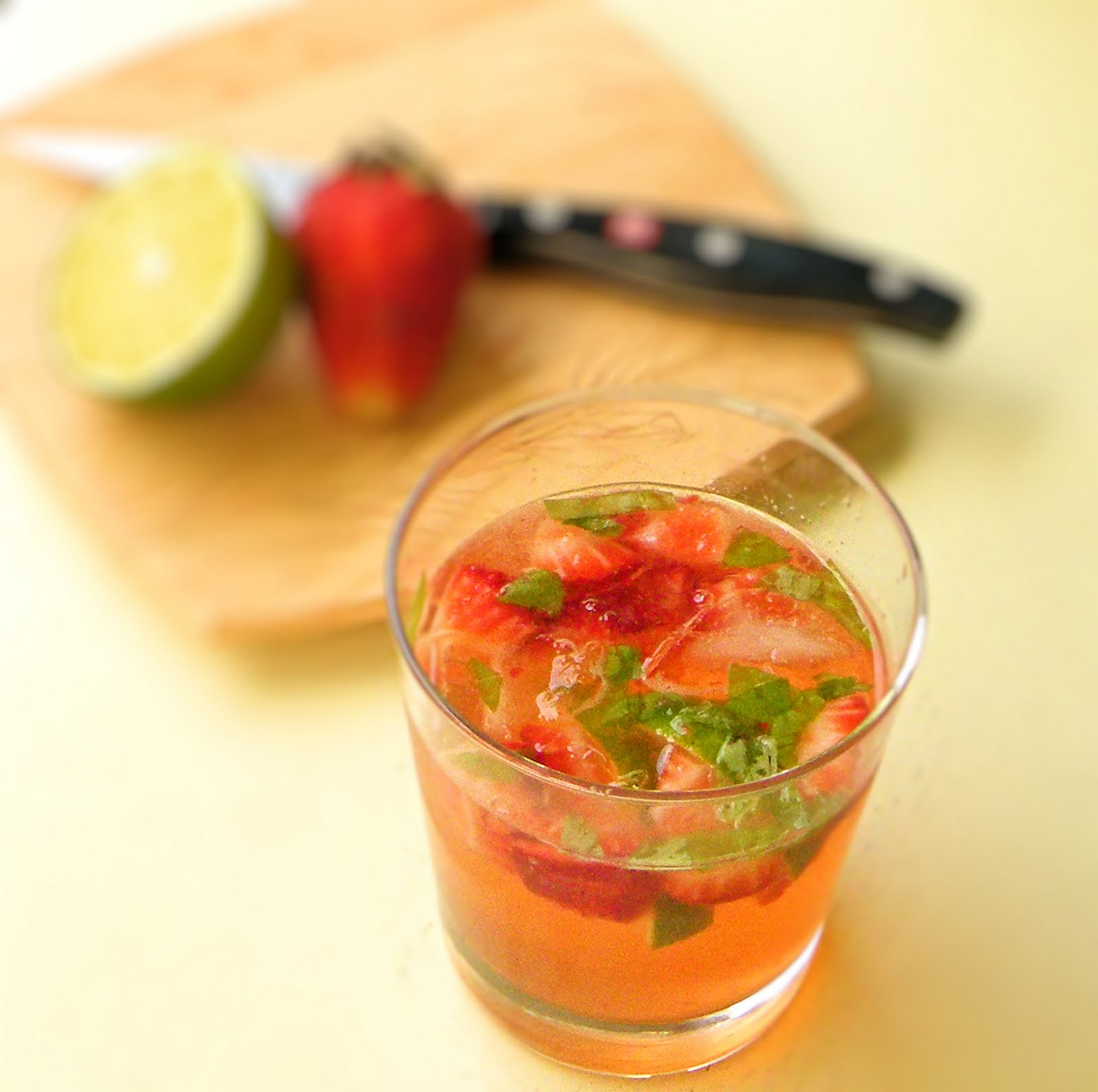 Vittles and Bits: Strawberry Basil Mojito... and a giveaway!