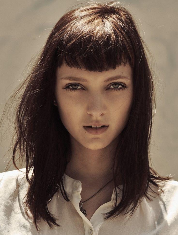 cortes de pelo largo con flequillo recto verano