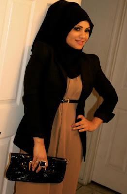 Permalink to Ide Kreatif Perpaduan Hijab Dengan Blazer Yang Menawan