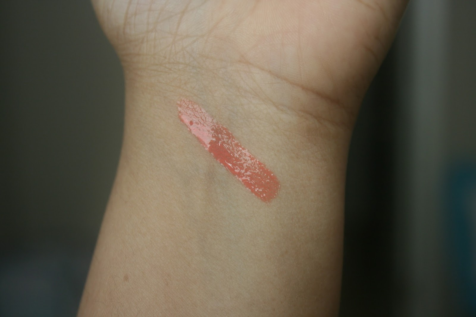Dior Rouge Brilliant in Victoire 808 Swatch