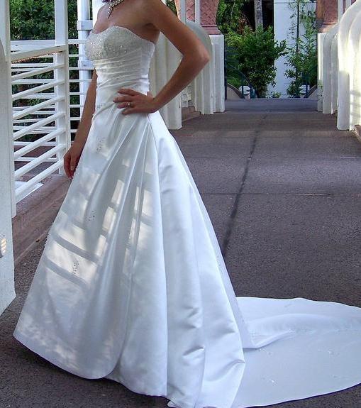 Alfred Angelo Wedding Dress: Alfred Angelo 1136Wedding Dresses