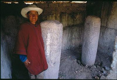 Columnas de piedra de sitio arqueológico de Congona.