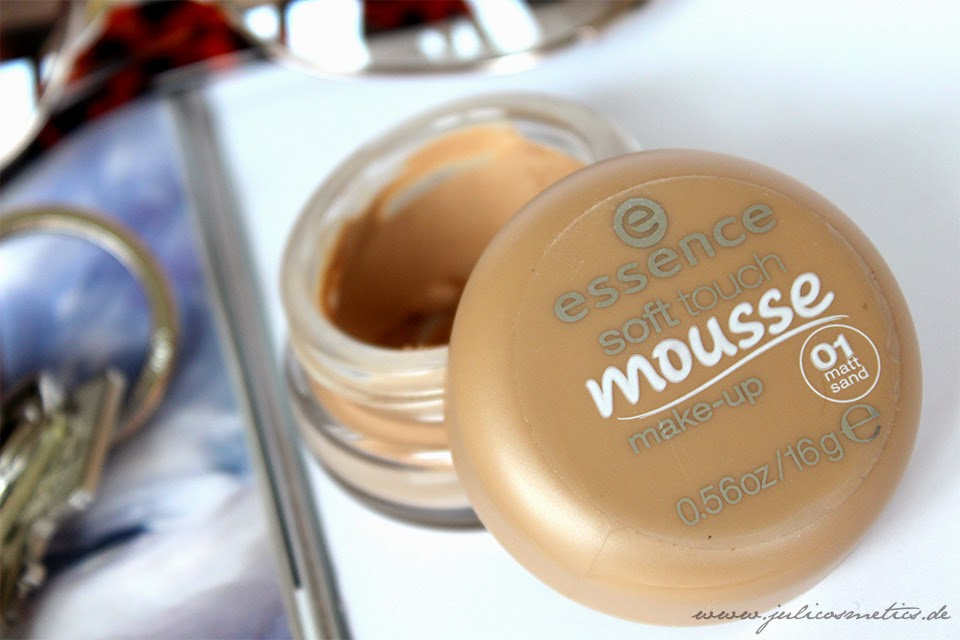 Essence-Soft-Touch-Mousse-Make-up
