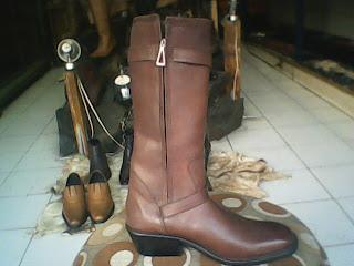 sepatu mark nason untuk naik kuda