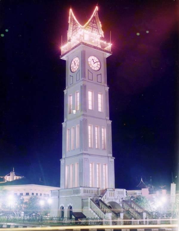 objek wisata Jam Gadang 4