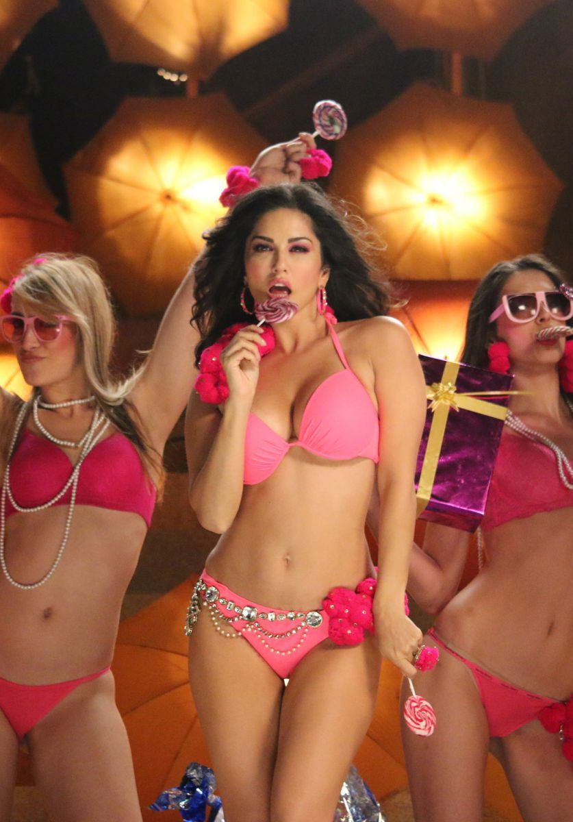 "Sunny Leone Super Sexy ""Ek Paheli Leela"" Stills"