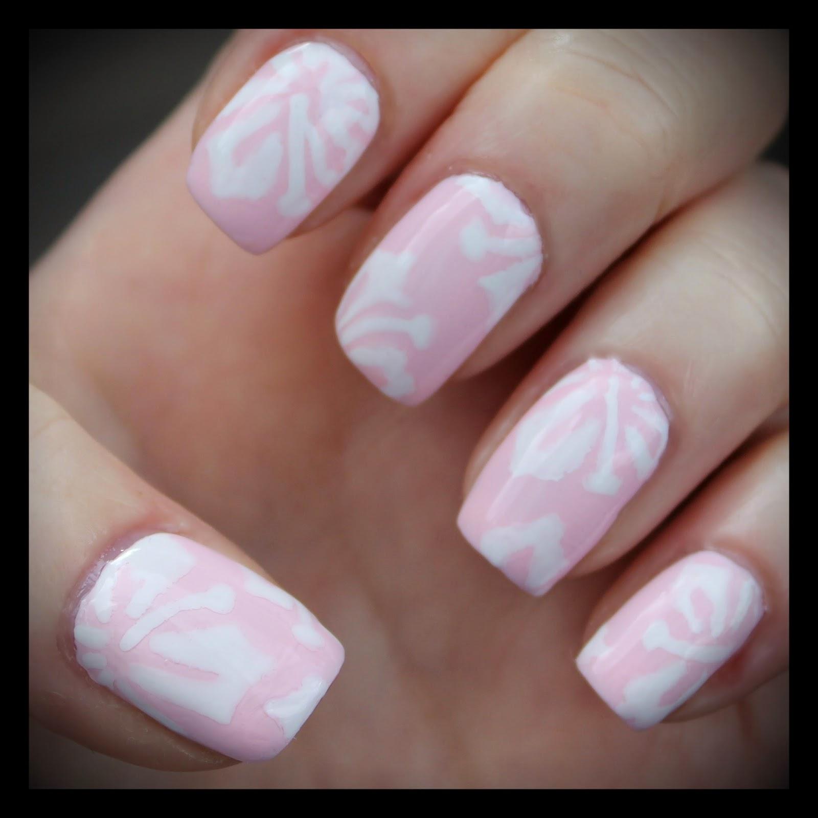 Hawaiian print nail art