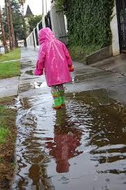 jualan jas hujan online saat musim hujan