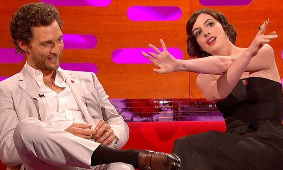 Anne Hathaway showed off her good spirit by drawing her statement in tempestuous  act as she visited on the set of the Graham Norton show on Friday, October 31, 2014.