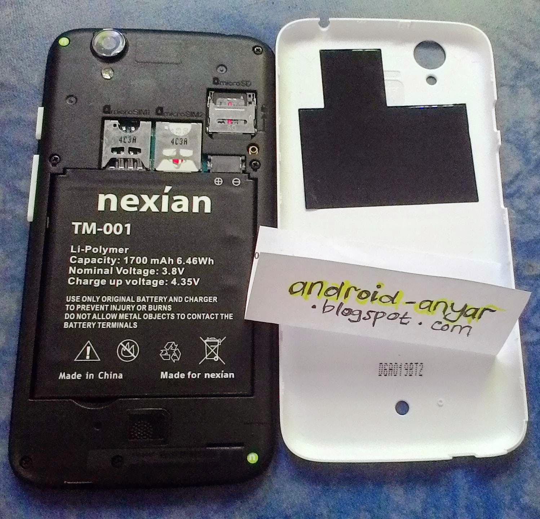 Membuka penutup belakang: 2x Slot Micro SIM, Slot Micro SD (bonus 8GB terpasang)