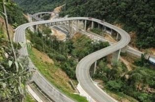 Jembatan kelok 9, obyek wisata baru di Payakumbuh, Sumatera Barat.