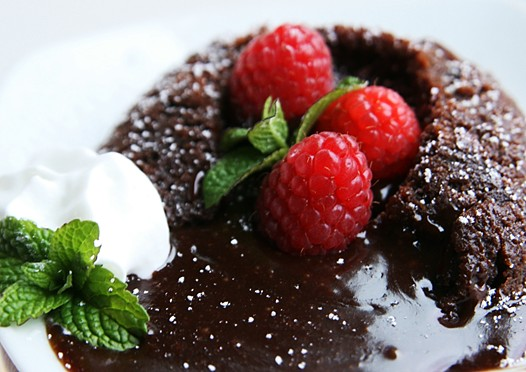 Chocolate Molten Lava Cakes ~ Cake Idea | Red Velvet | Wedding ...